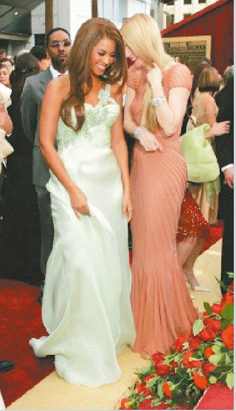 好萊塢大小姐葛妮絲派楚與小勞勃道尼合作一系列漫威英雄電影,交情深厚,甚至不在乎素顏和他合照。但對曾經在奧斯卡金像獎頒獎典禮上有說有笑的碧昂絲,竟因彼此都想爭取瑪丹娜的友誼,開始產生心結,連身旁的團隊...