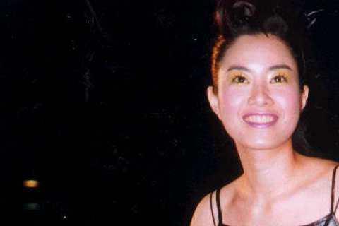 徐懷鈺當時紅到就算還沒有戲劇作品推出,仍然受邀參加金鐘獎,這也是她首度走上金鐘獎星光大道,更難得看到她不是穿著短褲與厚底高跟鞋,改穿上黑色長裙小禮服與細跟高跟鞋,稍微有點小女人的感覺。