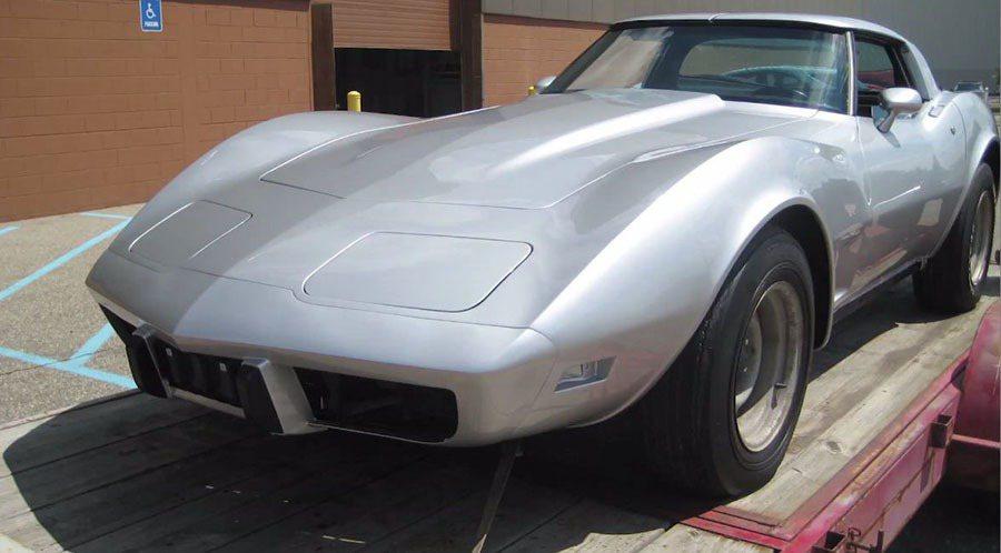 Chevrolet Corvette跑車已由裡到外全面大翻修,重現這輛經典跑車當...