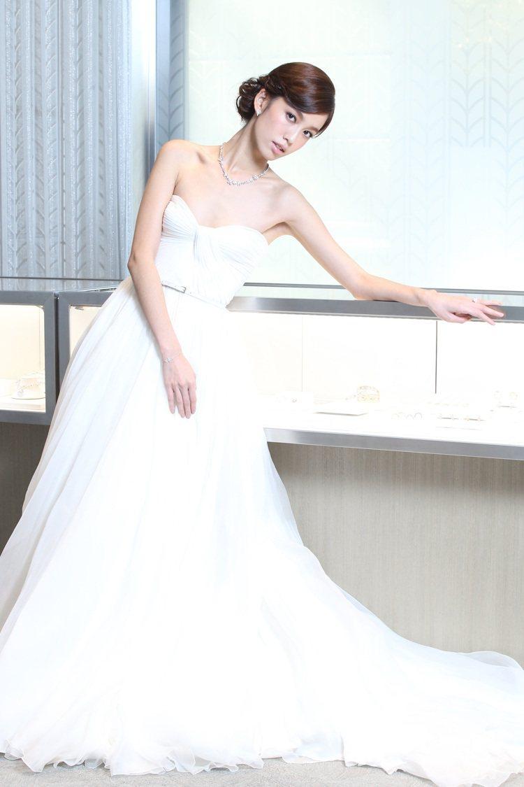 Tiffany昨天舉行婚典之約記者會,邀請陳庭妮(圖)、周家漢演繹鑽戒。記者高彬...