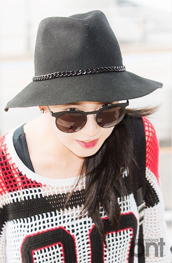 宋智孝以寬邊帽與墨鏡讓造型更俐落。圖/BNT提供