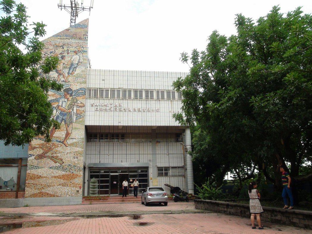 四湖鄉農漁村生活文化館改名卻改不了蚊子館的命運。 記者陳雅玲/攝影