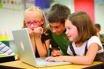 紅筆的權威:當老師也不會時,怎麼辦?