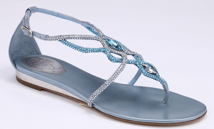 藍光交叉水晶平底涼鞋,售價42,000元。圖/RENE CAOVILLA提供
