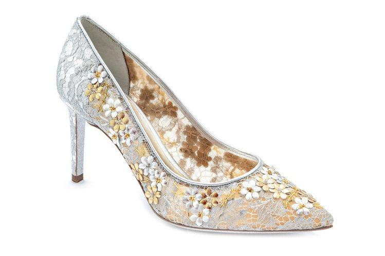白色蕾絲刺繡高跟鞋,售價49,000元。圖/RENE CAOVILLA提供