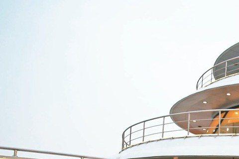 張韶涵為宣傳「純粹」世界巡迴演唱會,25日大陣仗於上海舉行媒體發布會,但外界依舊圍繞她與昔日同門范瑋琪不合的舊怨及遭前東家暗指不孝,對外界直指她為巡演刻意炒作,張下午接受媒體訪問,笑笑否認:「如果我...