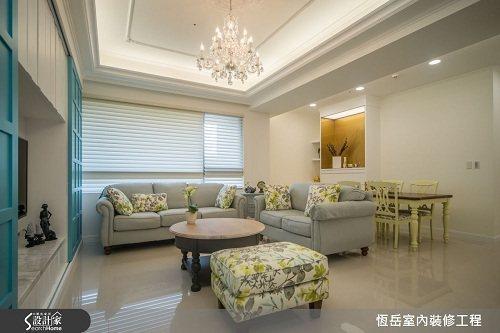 天花線板裝飾延伸空間高度,以白色為主佐線條修飾,放大空間感受。 圖片提供_恆岳室...