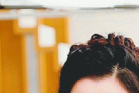 據南韓演藝界消息人士昨天表示,韓流女星金喜善將在中國大陸電視劇「幻城」客串演出,飾演該劇背景王國中的女神,是擁有最高權力的女神,也是該劇的核心人物。南韓「亞洲經濟」指出,玄幻小說「幻城」是郭敬明的成...