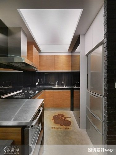 簡約時尚的廚房料理區,讓料理也是一種享受。 圖片提供_國境設計有限公司