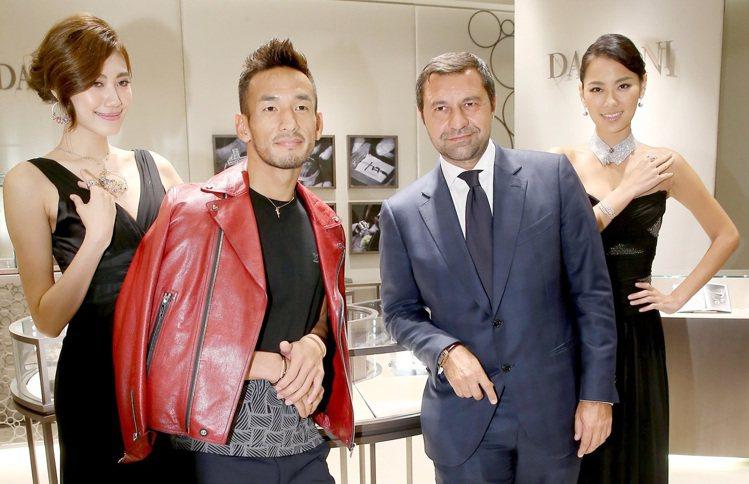 DAMIANI副總裁Mr. Giorgio Damiani(右二)與日本足球明星...