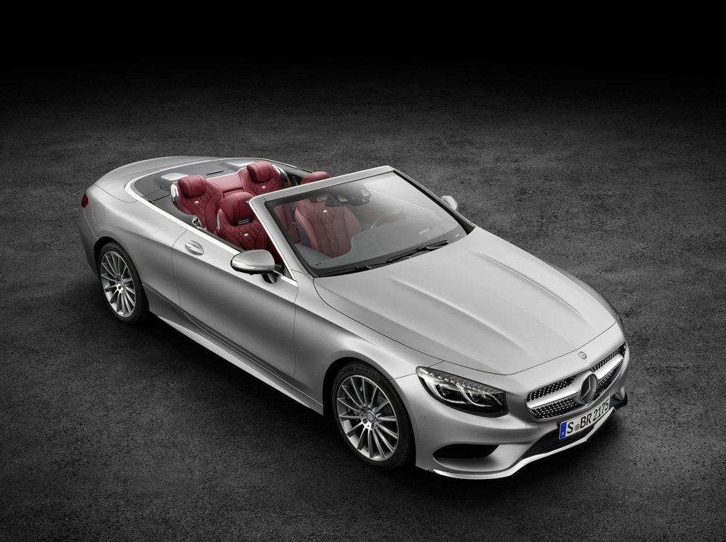 隨著法蘭克福開展日期將至,M.Benz決定提前公開全新第六代S-Class雙門敞篷車型。 摘自M.Benz