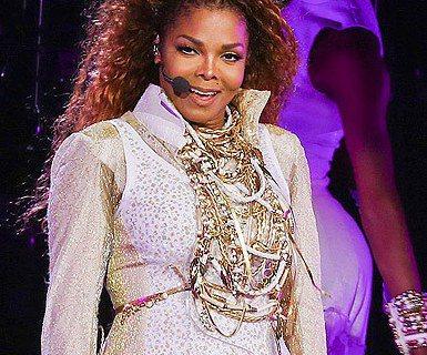美國女歌手珍娜傑克森(Janet Jackson),近日在加拿大溫哥華為她的「Unbreakable」巡迴演唱會揭開序幕,將近4年未登台的她,演唱多首經典歌曲,聲音表現依舊維持高水準,無疑用實力宣告...