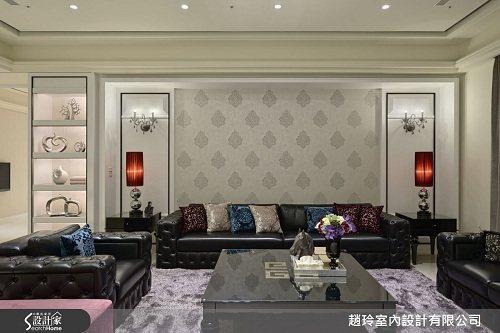 男主人可在大器華美的公領域招待賓客,女主人則帶著兩個小孩在私領域享受私人生活,使...