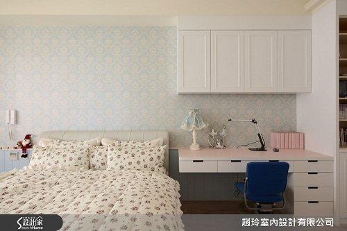賦予圖騰語彙壁紙選搭空間,成功詮釋男女屋主都滿意的空間風貌。 圖片提供_趙玲室內...