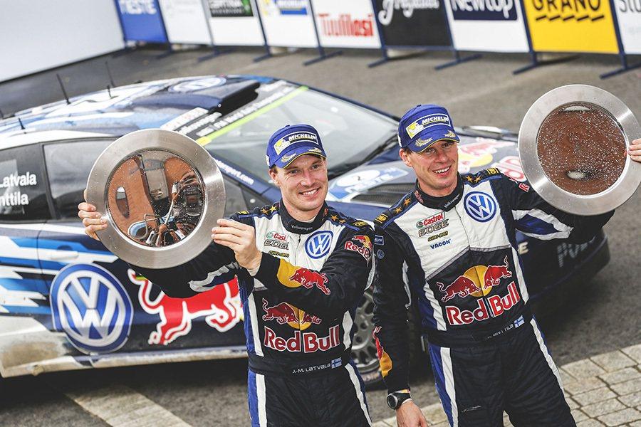 VW Motorsport車隊最終僅以13.7秒的些微差距再次擊敗法國籍隊友...