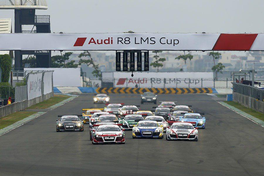 7月5日於屏東大鵬灣賽道風光落幕的R8 LMS Cup台灣站賽事,,是Audi Taiwan首次在國內舉辦的國際級統一規格賽車活動。 Audi提供