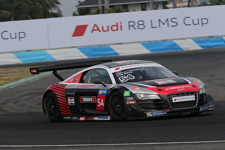 車迷們可以上網www.audir8lmscup.com觀看Audi R8 LMS...