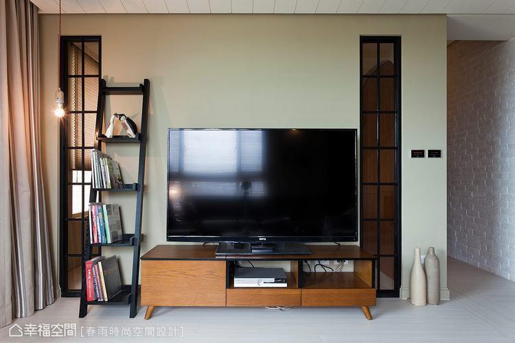 ▲若只想退掉部分牆面,也可以在客變階段辦到。如圖中電視牆即先將兩側的局部牆面挖空...
