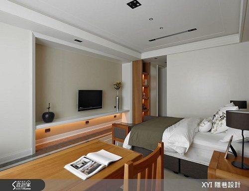 主臥房使用台灣檜木材質讓香味滿溢。 圖片提供_隱巷設計