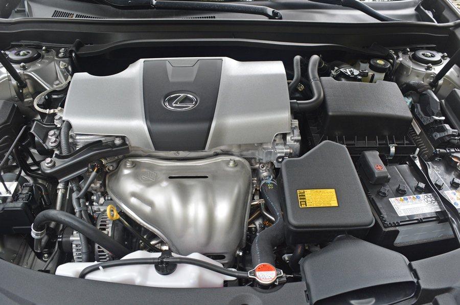 此次新增的DS-4S自然進氣汽油動力,以節能為取向,加速平順和緩而不會太猛烈,它具有12.7高壓縮比,大多數路段都能應付自如,而比較優異的是它的油耗,一公升可跑出13.9公里。 記者趙惠群/攝影