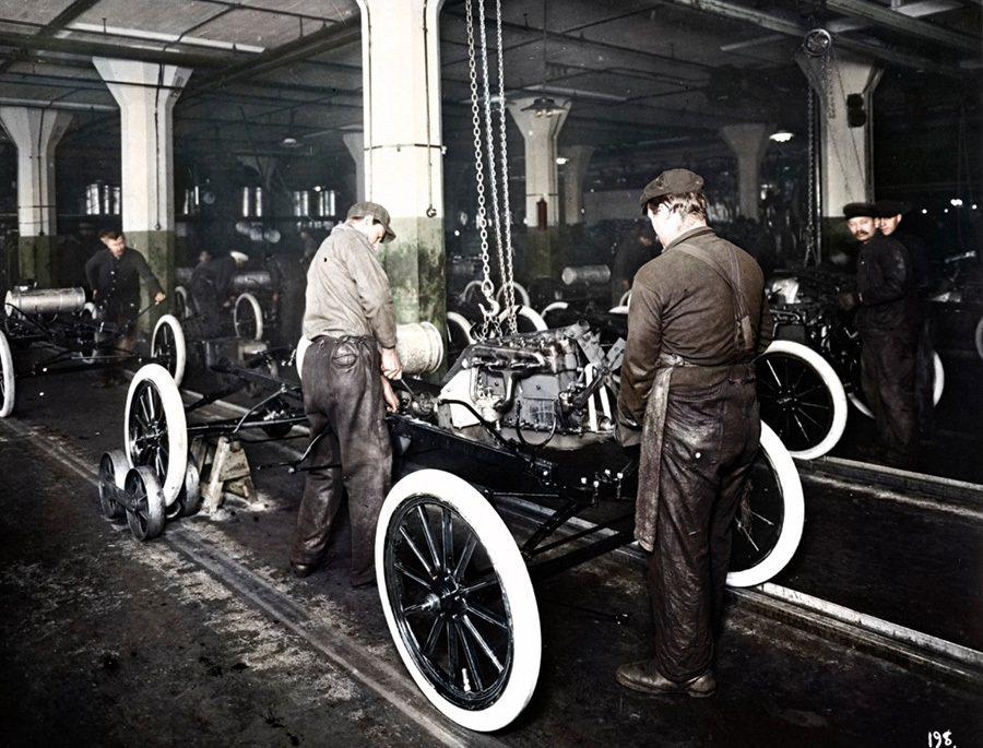 Ford福特汽車是1920年間少數雇用猶太人、非洲籍美國人、以及女性的公司。 ...