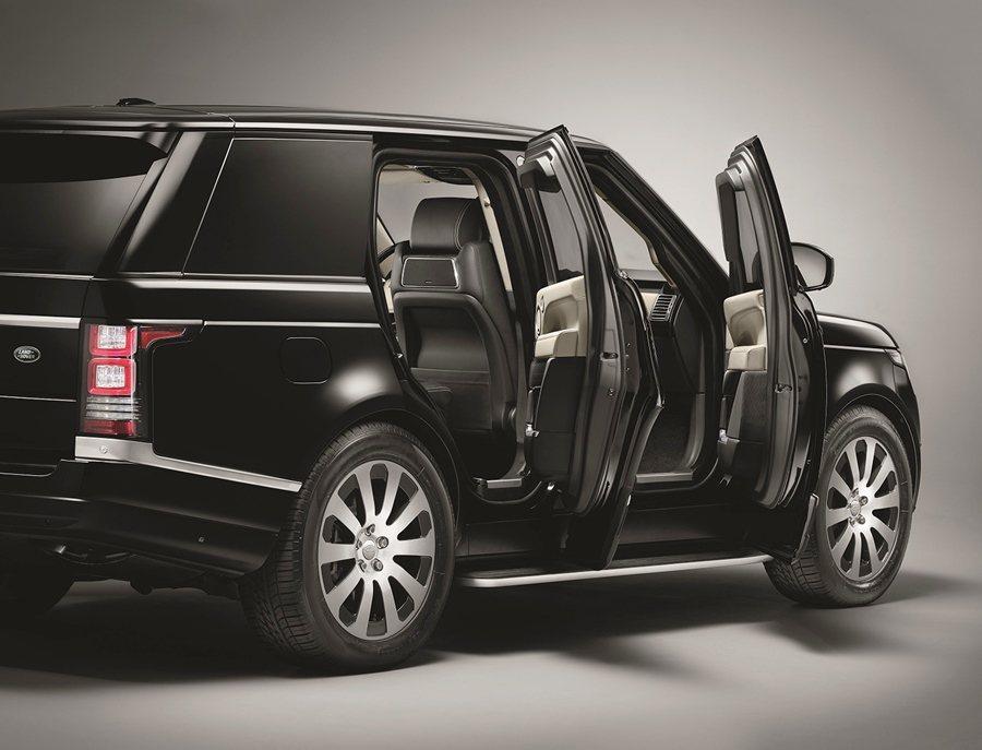 它保有原來Range Rover所有的奢華功能配備和乘坐的舒適性與操控性能。 圖/Land Rover提供