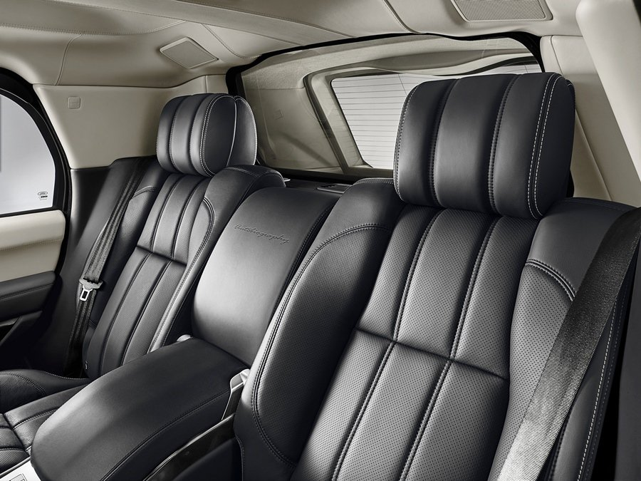 Range Rover Sentinel有寬敞的前後座,後座可承載兩名成人。 圖/Land Rover提供