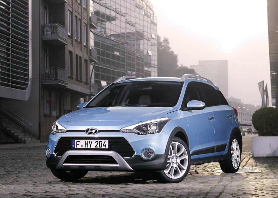 外觀方面,原廠除了針對i20 Active前、後保桿進行改造外,車頭下方霧燈造型也改為圓形樣式。 摘自Hyundai