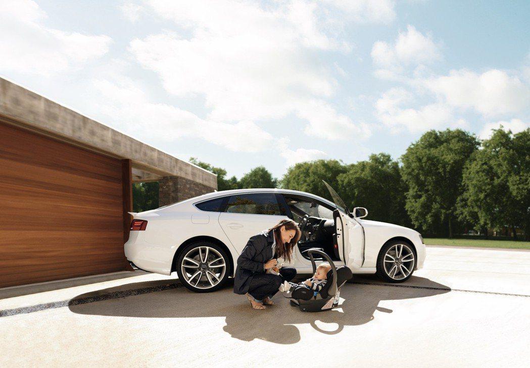 回廠凡消費滿5000元即贈「Audi延長保固一年份」抽獎券一張。 Audi提供