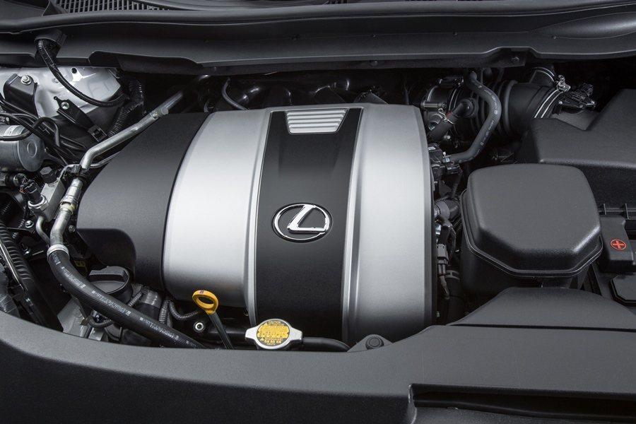動力部分,改款RX主要有搭載3.5升缸內直噴V6汽油引擎的RX350,另有3.5升V6汽油引擎搭配油電複合動力系統的RX 450h油電車型,圖為RX350汽油動力。 圖/LEXUS提供