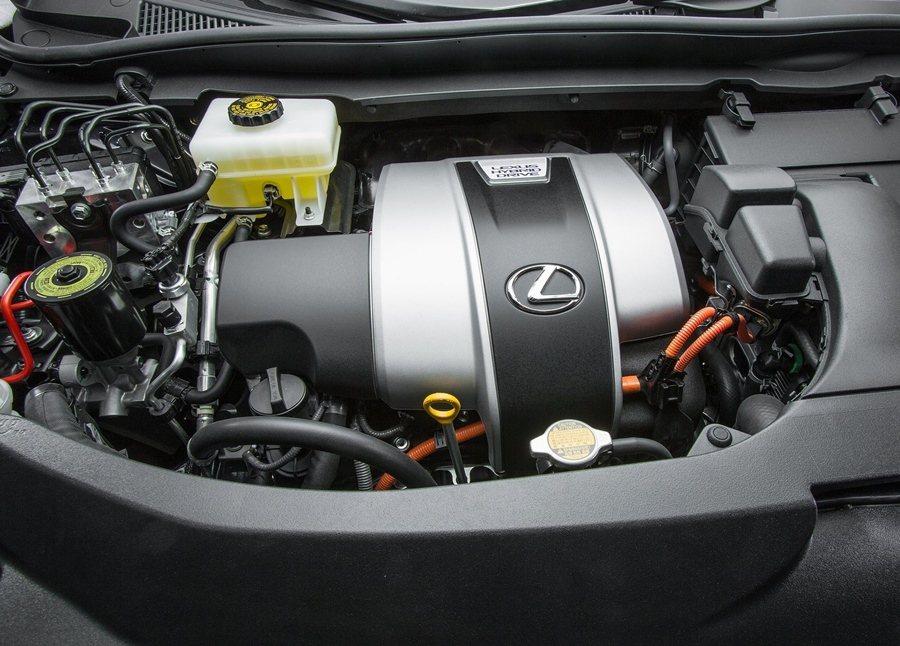 RX 450h載3.5升V6汽油引擎搭配油電複合動力系統。 圖/LEXUS提供