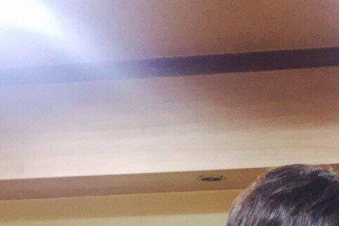 林依晨今(10日)受邀到韓國出席《首爾電視劇大獎》,還特地去目前最夯的ON檔戲《龍八夷》探班。周元一見到女神林依晨駕到,害羞地用靦腆笑容一起合照。林依晨在微博寫道,「因緣際會去探了《龍八夷》演員周元...