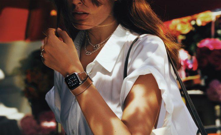 蘋果公司與愛馬仕共同發表最新愛馬仕系列蘋果智能手表。圖/愛馬仕提供