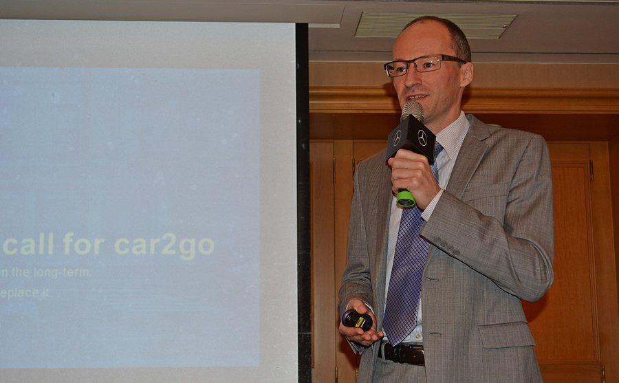 Car2go中國大陸地區Car2go的執行長白悅仁(Rainer Becker)本周特別來台,拜會台北市府交通相關局處,說明Car2go的優點,這種系統或許可以為柯P的新政提供替代的方案。 記者趙惠群/攝影