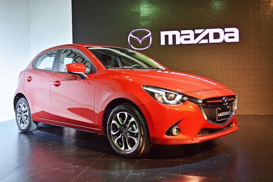 台灣馬自達為首波車主提供早鳥購車優惠方案10月底前領牌者,送日本原廠Mazda2模型車,尊貴型及頂級型加送倒車顯影輔助系統。 記者趙惠群/攝影