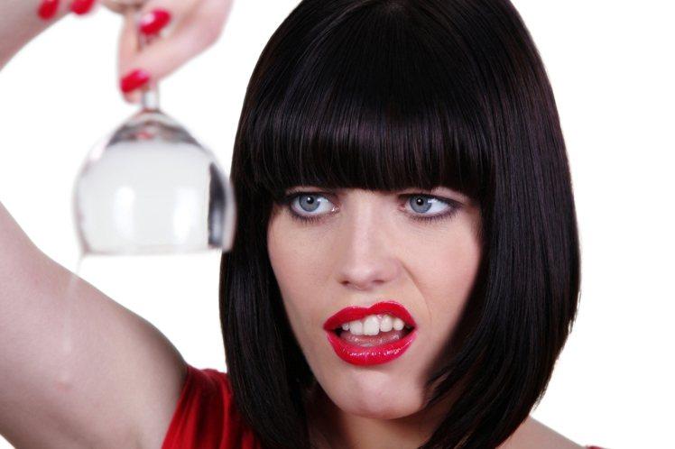 女孩們超常遇到的「補妝煩惱」,靠護唇膏3分鐘輕鬆搞定!圖/ingimage圖庫