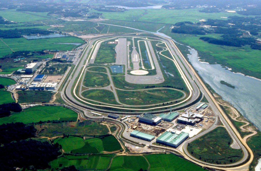 亞洲最大Hyundai-Kia汽車研發中心,Hyundai-Kia汽車研發中心主要可分為A、B、C及Test測試道四大區域。 Kia提供