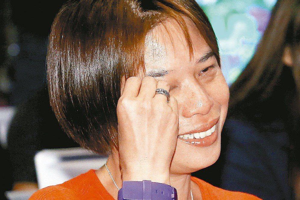第13屆SBL選秀會,謝玉娟執教的義守大學包括狀元施顏宗在內,共有四位球員被選中...