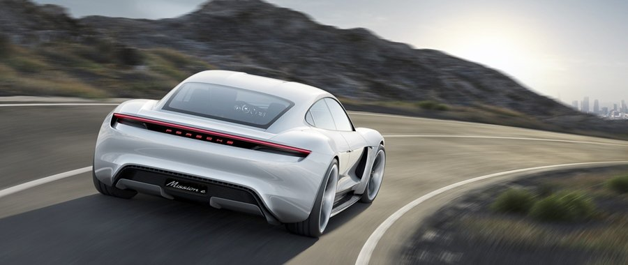 Mission E充電一次即可行駛超過500公里的里程,充電15分鐘即可獲得行駛...