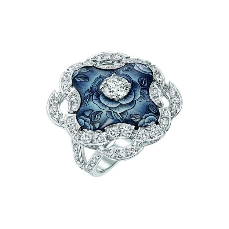 Fascinante 戒指,18K白金鑲嵌69顆總重2.2克拉的明亮式切割鑽石和...