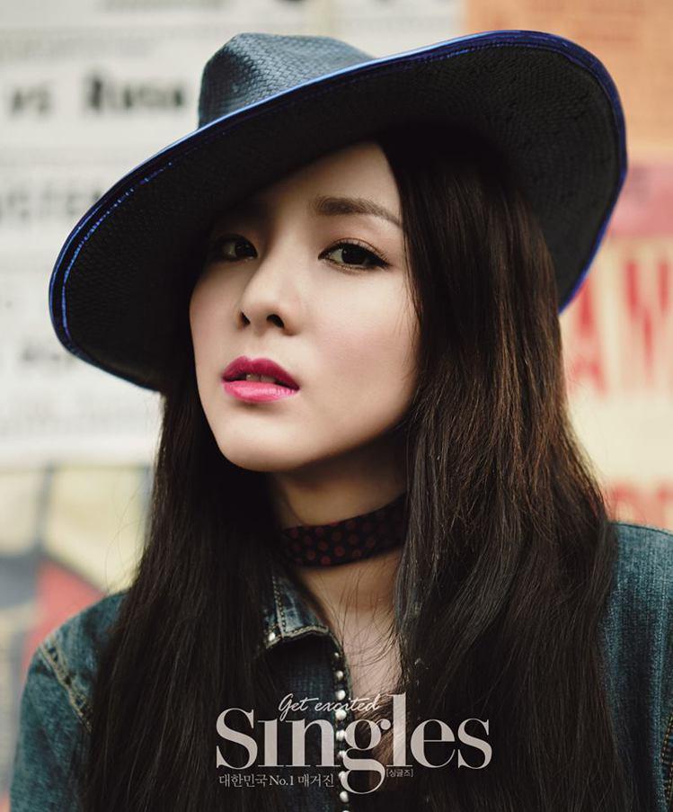 個性古靈精怪的 Dara 風格多變,無論潮味或甜美打扮都能輕鬆駕馭。圖/擷自2N...