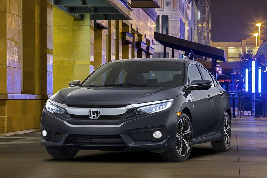 新世代 Honda Civic轎車搭載類似小改款Accord與Civic概念車的LED頭燈設計。 Honda提供
