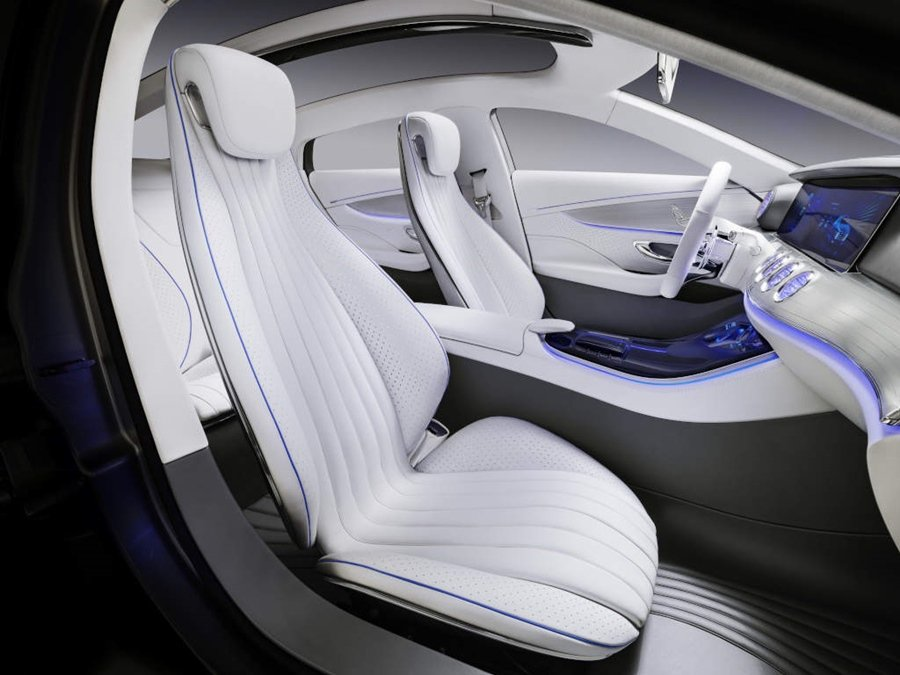 Concept IAA有四張獨立配置且造型優雅版型頗似S系列的人體工學座椅。 圖/Mercedes Benz提供