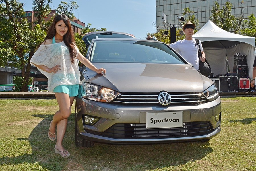 Sportsvan是Golf衍生的MPV車型,以接替原來的Golf Plus。它融合德系簡約俐落的時尚的設計和多功能的配置,曾拿下德國紅點與iF兩大國際設計大獎。