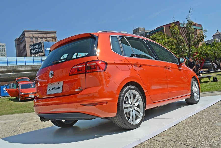 Sportsvan有銳利線條構成的車尾和時尚的LED尾燈。 記者趙惠群/攝影