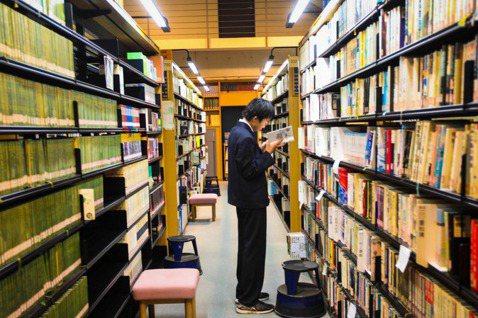 【小玉物語】「想死」就來圖書館吧