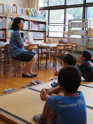 很多家長認為與其送到市區的大型學校,不如到偏鄉小型學校,孩子能獲得更多照顧。林秀...