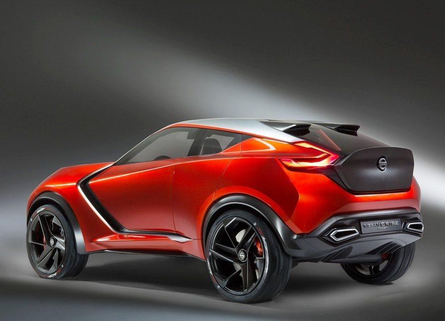 Gripz啞黑車色的引擎蓋、前保桿、行李廂和車頂,與車身其他部位的橘紅車色呈強烈對比。