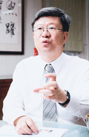 教育部長吳思華提出安定偏鄉教師措施。  記者許正宏/攝影