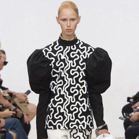 倫敦時裝周/LOEWE「羊腿袖」超霸氣